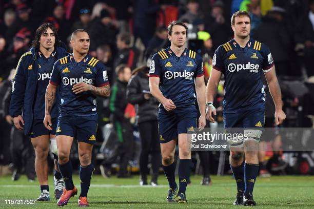Daniel Lienert-Brown, Aaron Smith, Ben Smith and Luke Whitelock of the Highlanders look dejected after their loss in the Super Rugby Quarter Final...
