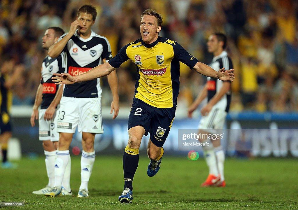A-League Semi Final - Central Coast v Melbourne