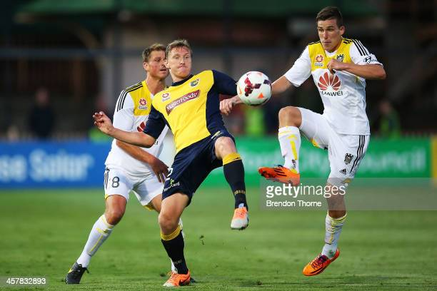 Daniel McBreen of the Mariners competes with the Phoenix defence during the round six ALeague match between the Central Coast Mariners and Wellington...
