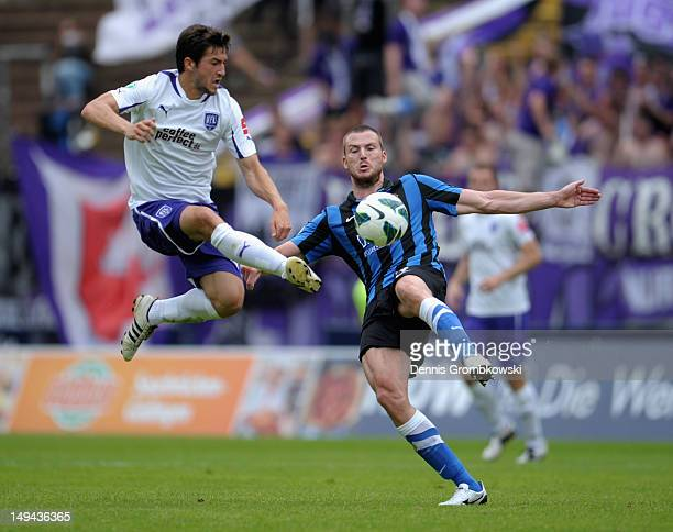Daniel Nagy of Osnabrueck and Kevin Maek of Saarbruecken battle for the ball during the 3 Liga match between 1 FC Saarbruecken and VfL Osnabrueck at...