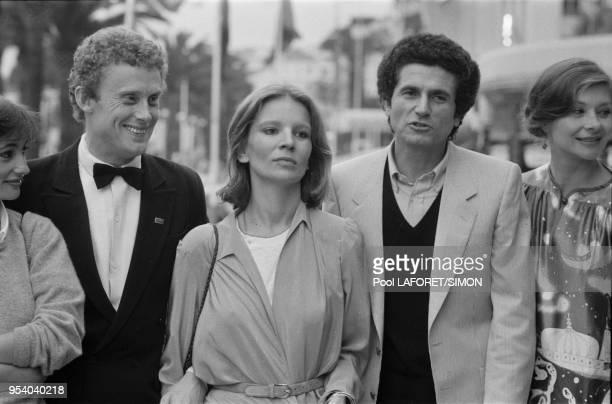 Daniel Olbrychski Nicole Garcia Claude Lelouch et Macha Méril lors du Festival de Cannes en mai 1981 France