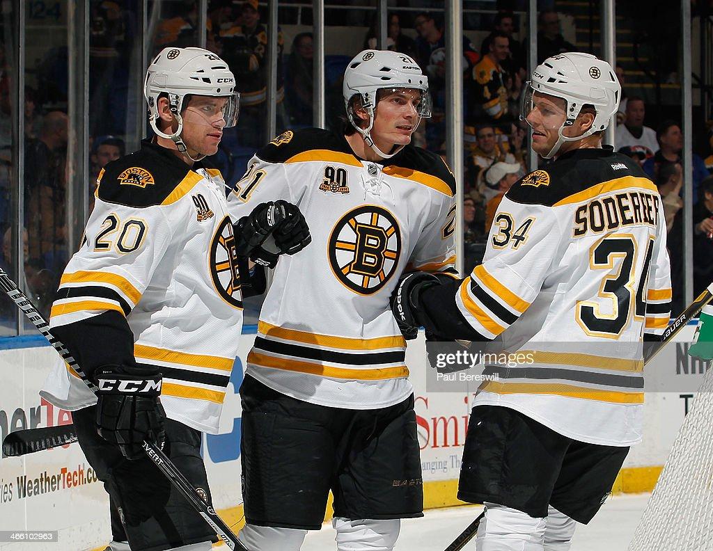 Boston Bruins v New York Islanders : News Photo