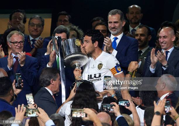 Daniel Parejo of Valencia kiss the trophy after winning with his team the Spanish Copa del Rey Final match between FC Barcelona and Valencia CF at...