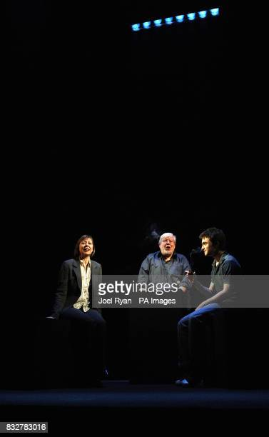 Daniel Radcliffe Richard Griffiths and Jenny Agutter during a photocall for the theatre production of Equus at the Gielgud Theatre Shaftesbury Avenue...