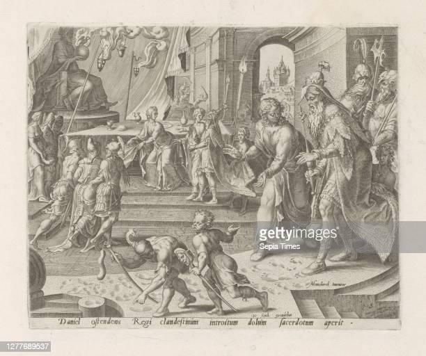 Daniel reveals the deception of Bel priests History of Daniel, Bel and the dragon Thesaurus sacrarum historiaru [m] veteris testame [n] ti, elega [n]...