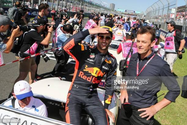 Daniel Ricciardo and Adam Gilchrist before the 2018 Australian Grand Prix on March 25 2018