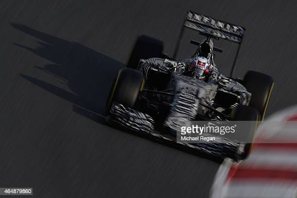 Daniel Ricciardo of Australia and Infiniti Red Bull Racing drives during day four of the final Formula One Winter Testing at Circuit de Catalunya on...