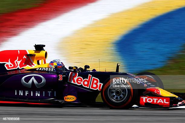 Daniel Ricciardo of Australia and Infiniti Red Bull Racing drives during practice for the Malaysia Formula One Grand Prix at Sepang Circuit on March...