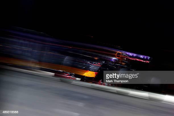Daniel Ricciardo of Australia and Infiniti Red Bull Racing drives during the Formula One Grand Prix of Singapore at Marina Bay Street Circuit on...