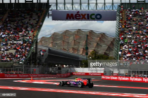 Daniel Ricciardo of Australia and Infiniti Red Bull Racing drives during practice for the Formula One Grand Prix of Mexico at Autodromo Hermanos...