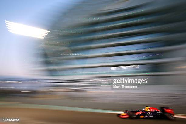 Daniel Ricciardo of Australia and Infiniti Red Bull Racing drives aduring practice for the Abu Dhabi Formula One Grand Prix at Yas Marina Circuit on...