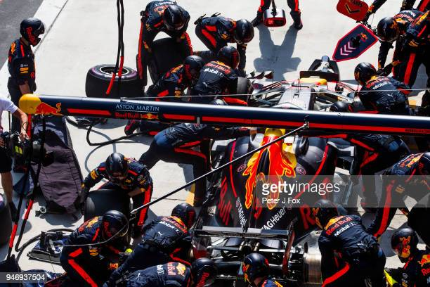 Daniel Ricciardo of Australia and Red Bull Racing during the Formula One Grand Prix of China at Shanghai International Circuit on April 15 2018 in...