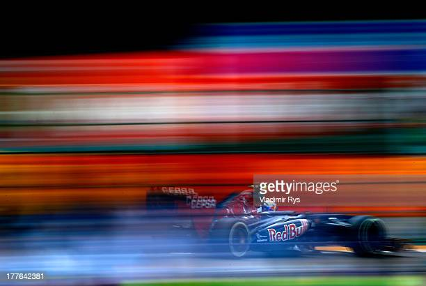 Daniel Ricciardo of Australia and Scuderia Toro Rosso drives during the Belgian Grand Prix at Circuit de SpaFrancorchamps on August 25 2013 in Spa...
