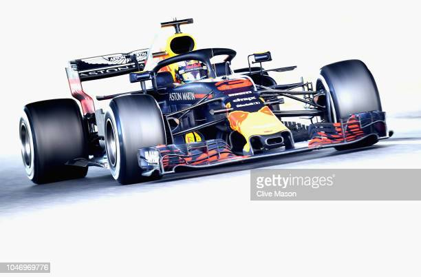 Daniel Ricciardo of Australia driving the Aston Martin Red Bull Racing RB14 TAG Heuer on track during the Formula One Grand Prix of Japan at Suzuka...