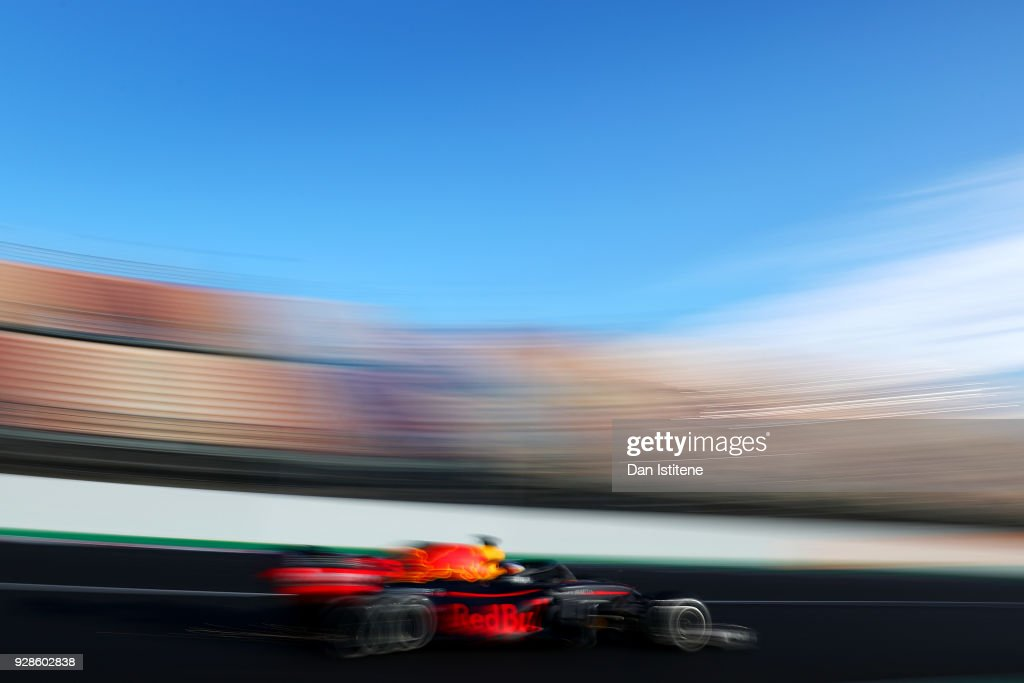 Daniel Ricciardo of Australia driving the (3) Aston Martin Red Bull Racing RB14 TAG Heuer on track during day two of F1 Winter Testing at Circuit de Catalunya on March 7, 2018 in Montmelo, Spain.