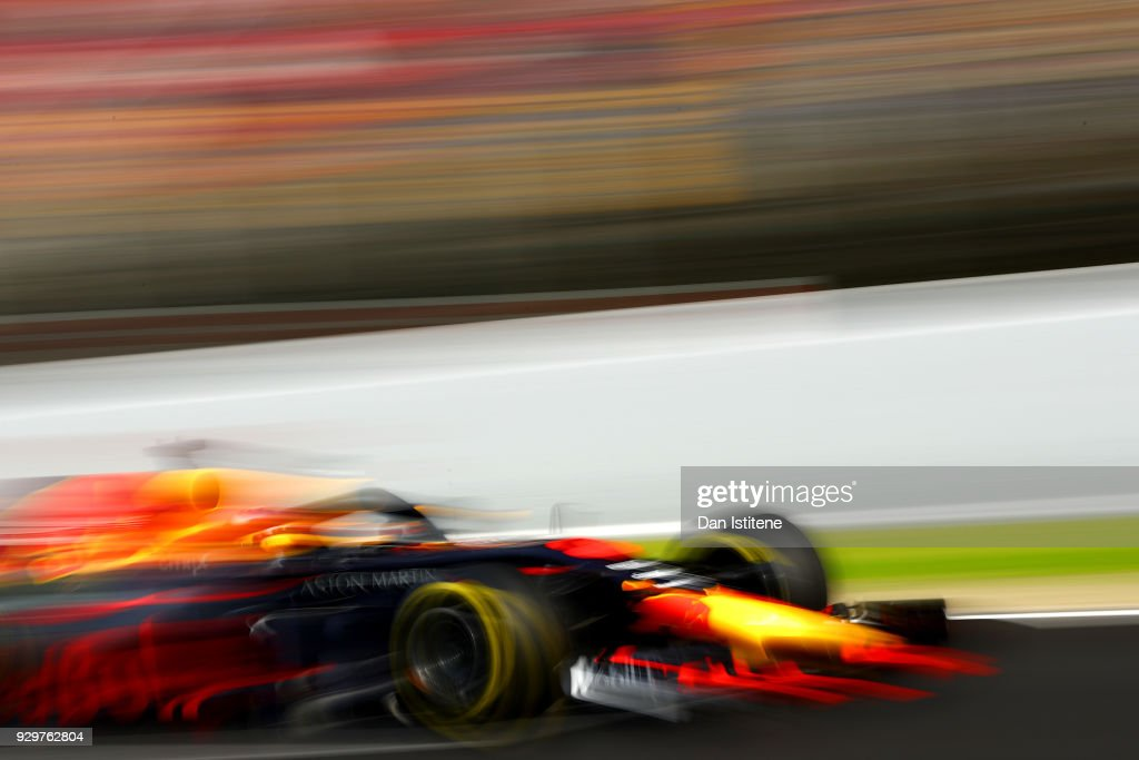Daniel Ricciardo of Australia driving the (3) Aston Martin Red Bull Racing RB14 TAG Heuer on track during day four of F1 Winter Testing at Circuit de Catalunya on March 9, 2018 in Montmelo, Spain.