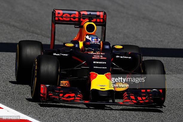 dde886a5699 Daniel Ricciardo of Australia driving the Red Bull Racing Red BullTAG Heuer  RB12 TAG Heuer on