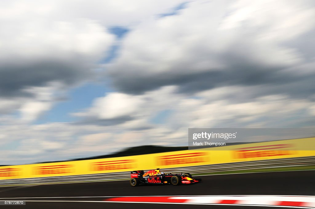Daniel Ricciardo of Australia driving the (3) Red Bull Racing Red Bull-TAG Heuer RB12 TAG Heuer on track during practice for the Formula One Grand Prix of Hungary at Hungaroring on July 22, 2016 in Budapest, Hungary.