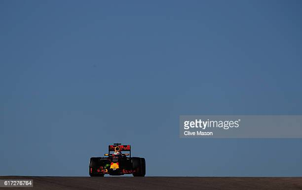 Daniel Ricciardo of Australia driving the Red Bull Racing Red BullTAG Heuer RB12 TAG Heuer on track during final practice for the United States...