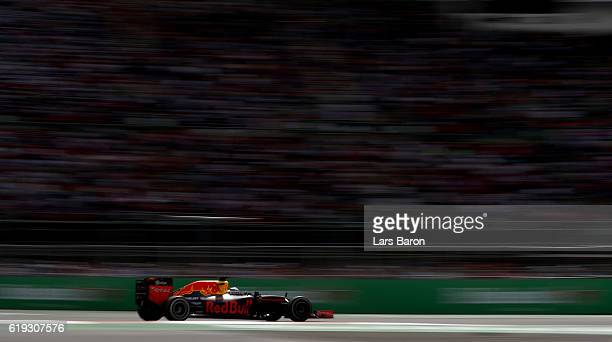 Daniel Ricciardo of Australia driving the Red Bull Racing Red BullTAG Heuer RB12 TAG Heuer on track during the Formula One Grand Prix of Mexico at...
