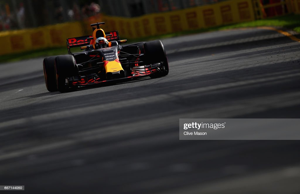 Daniel Ricciardo of Australia driving the (3) Red Bull Racing Red Bull-TAG Heuer RB13 TAG Heuer on track during practice for the Australian Formula One Grand Prix at Albert Park on March 24, 2017 in Melbourne, Australia.