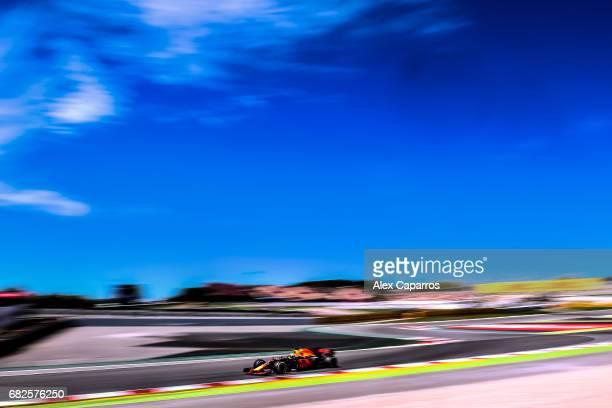 Daniel Ricciardo of Australia driving the Red Bull Racing Red BullTAG Heuer RB13 TAG Heuer on track during final practice for the Spanish Formula One...