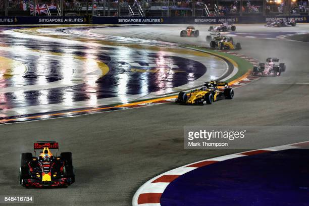 Daniel Ricciardo of Australia driving the Red Bull Racing Red BullTAG Heuer RB13 TAG Heuer on track during the Formula One Grand Prix of Singapore at...