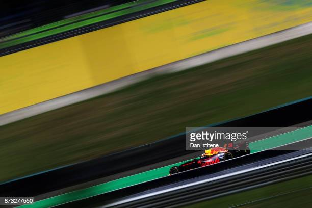 Daniel Ricciardo of Australia driving the Red Bull Racing Red BullTAG Heuer RB13 TAG Heuer on track during the Formula One Grand Prix of Brazil at...