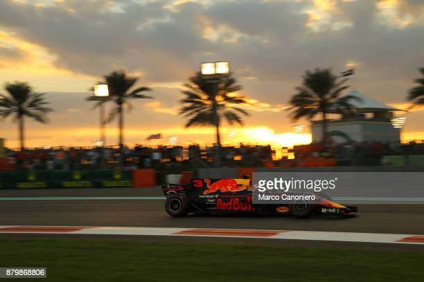 Daniel Ricciardo of Australia driving the Red Bull Racing Red BullTAG Heuer RB13 TAG Heuer on track during the Abu Dhabi Formula One Grand Prix