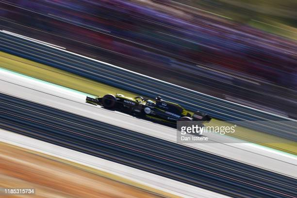 Daniel Ricciardo of Australia driving the Renault Sport Formula One Team RS19 on track during the F1 Grand Prix of USA at Circuit of The Americas on...