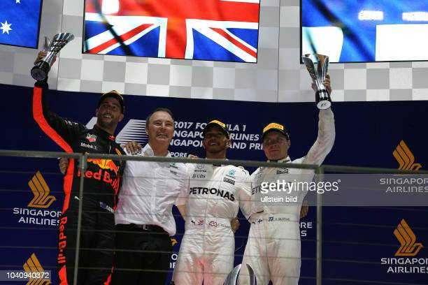 Daniel Ricciardo Red Bull Racing Lewis Hamilton Valtteri Bottas Mercedes Grand Prix formula 1 GP Singapore
