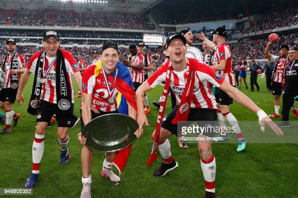 Daniel Schwaab of PSV Santiago Arias of PSV Luuk de Jong of PSV celebrates the championship with trophy during the PSV trophy celebration at the...