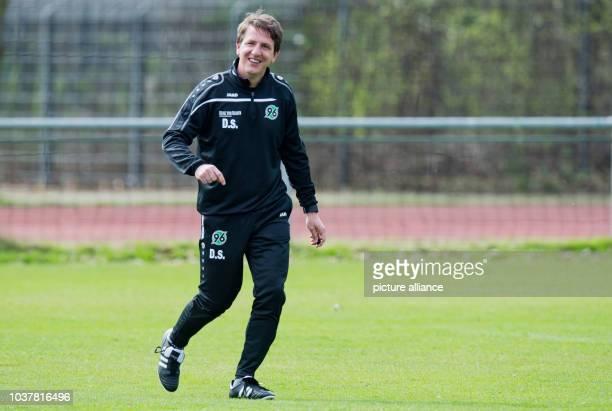 Daniel Stendel new coach of German Bundesliga soccer club Hanover 96 during a practice session in Hanover Germany 4 April 2016 PHOTO JULIAN...