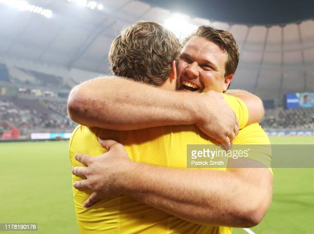 Daniel Ståhl of Sweden celebrates winning gold in the Men's Discus final during day four of 17th IAAF World Athletics Championships Doha 2019 at...