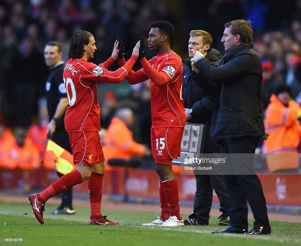 Liverpool v West Ham United - Premier League : News Photo