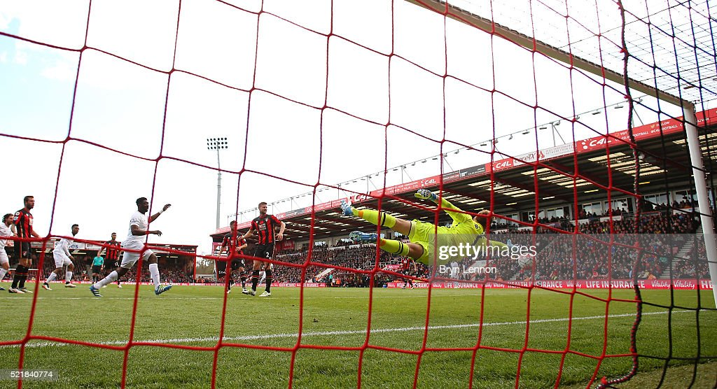 Daniel Sturridge of Liverpool scores his team's second goal of the game during the Barclays Premier League match between A.F.C. Bournemouth and Liverpool at the Vitality Stadium on April 17, 2016 in Bournemouth, England.