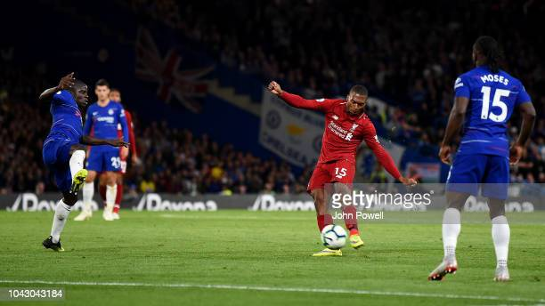 Daniel Sturridge of Liverpool scoring the equalising goal during the Premier League match between Chelsea FC and Liverpool FC at Stamford Bridge on...