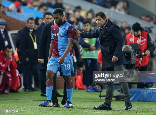 Daniel Sturridge of Trabzonspor is substituted during Turkish Super Lig soccer match between Trabzonspor and Yukatel Denizlispor at the Medical Park...