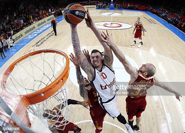 Daniel Theis #10 of Brose Bamberg in action during the 2016/2017 Turkish Airlines EuroLeague Regular Season Round 15 game between Galatasaray...