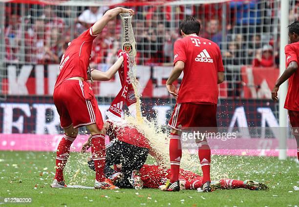 Daniel VAN BUYTEN FC Bayern München 1 Bundesliga Fussball FC Bayern München - FC Augsburg 3:0 Deutscher Fussball Meister 2013 Feierlichkeiten Saison...