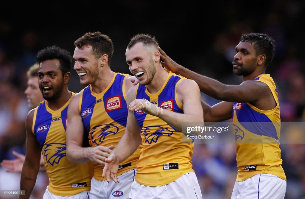 AFL Rd 2 - Western Bulldogs v West Coast : News Photo