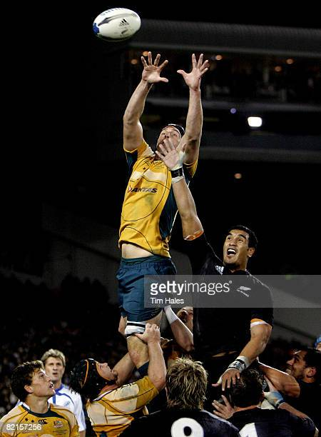 Daniel Vickerman of the Wallabies wins a lineout from Jerome Kaino of the All Blacks during the 2008 Tri Nations series Bledisloe Cup match between...