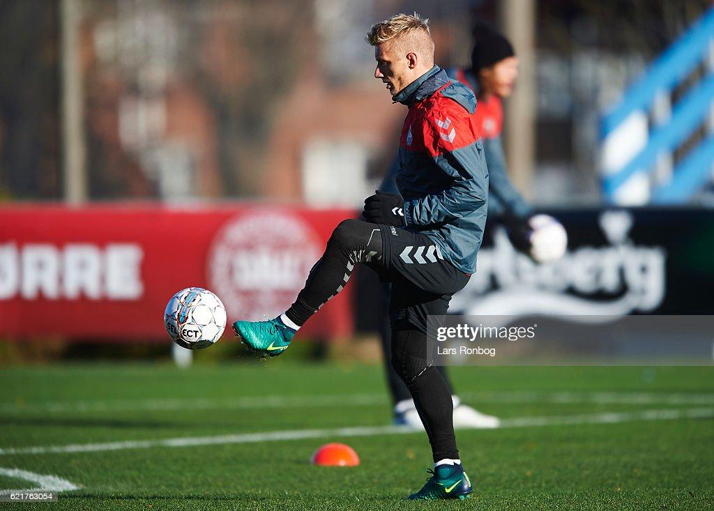 Daniel Wass in action during the Denmark training session at Gelsingor Stadion on November 8, 2016 in Helsingor, Denmark.