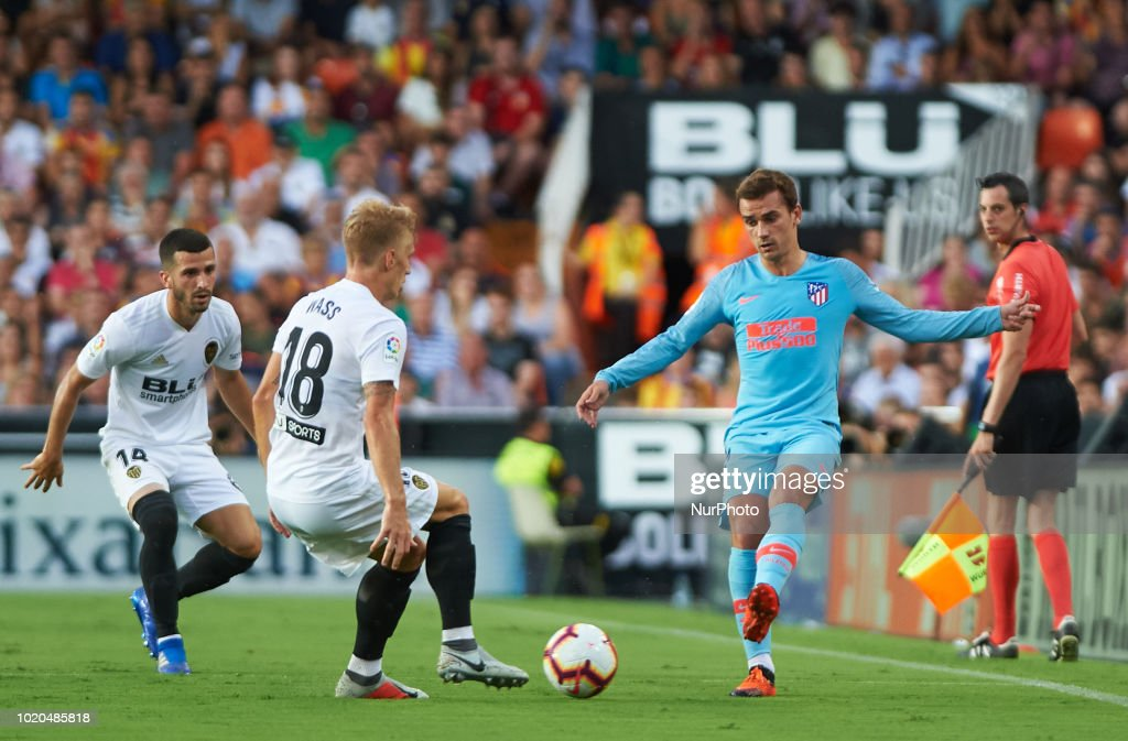 Valencia CF v Club Atletico de Madrid - La Liga : News Photo