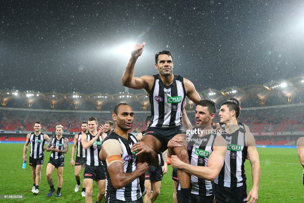 Daniel Wells of the Magpies is chaired from the field after his 250th match during the round 17 AFL match between the Gold Coast Suns and the Collingwood Magpies at Metricon Stadium on July 15, 2017 in Gold Coast, Australia.