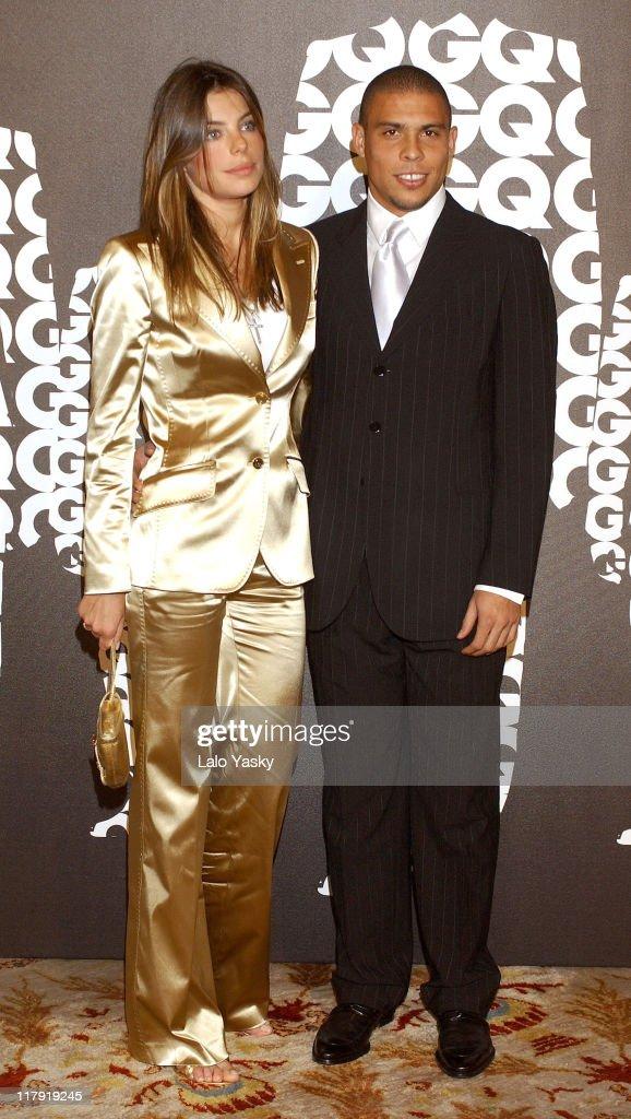 """Soccer Player Ronaldo Awarded GQ """"Men of the Year"""" Award for Best Sportsman - December 13, 2004 : Foto jornalística"""