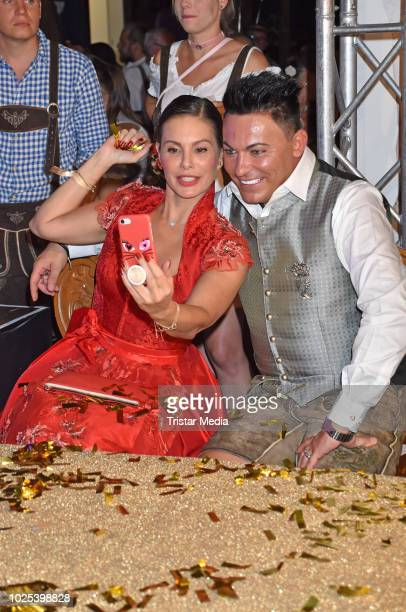 Daniela Dany Michalski and Matthias Fella during the Angermaier TrachtenNacht at Hofbraeuhaus on August 30 2018 in Berlin Germany