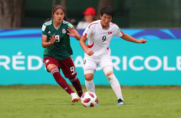 02cd63b2485 Daniela Espinosa of Mexico and Pom Ui Kim of Korea DPR during the FIFA U-
