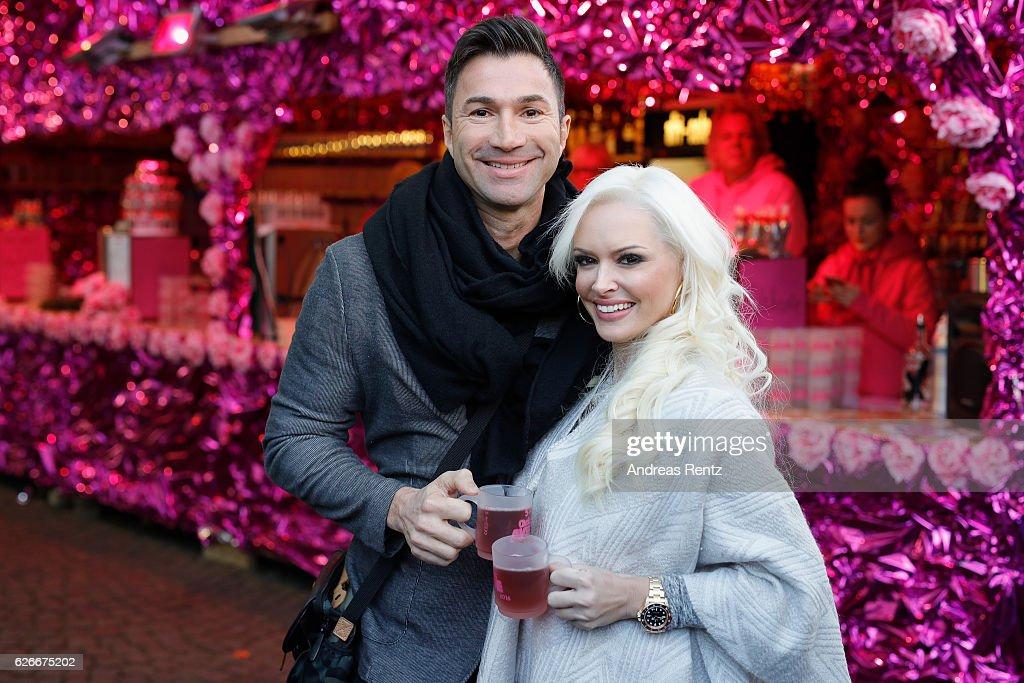 'Daniela Katzenberger - mit Lucas im Weihnachtsfieber' Photocall In Cologne