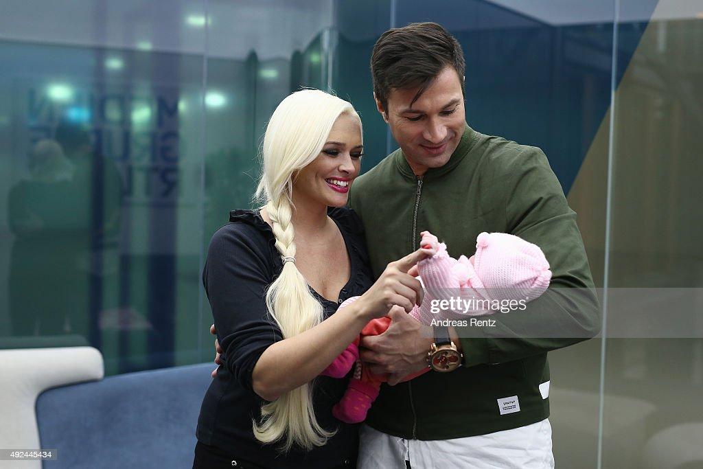 Daniela Katzenberger And Lucas Cordalis Family Photocall : Nachrichtenfoto